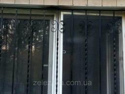 Кованные оконные и дверные решетки (квадрат 12мм). . .