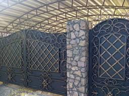 Кованые ворота Фактурный квадрат, филенка с заклепками