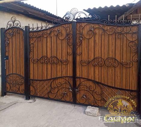 Кованые ворота с калиткой профнастил бюджет75-85тр