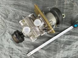 Кран тормозной 2х секционный с глушителем шума в сборе ПААЗ