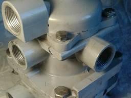 Кран управления тормозами КАМАЗ двухпроводный Прицепа Клапан