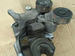 Кронштейн двигателя 37472-27000 на Hyundai Tucson 04-11 (Хюн