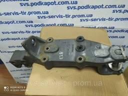 Кронштейн крепления передней рессоры DAF 1304513 задний. ..