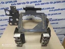 Кронштейн насоса мочевины Renault Premium DXI (крепление помпы adblue) 7420871990