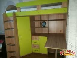 Кровать-чердак с рабочей зоной и угловым шкафом (к10-4). . .