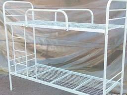 Кровать металлическая двухъярусная с лестницей для общежитий