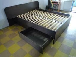 Кровати на заказ из различных материалов и размеров.