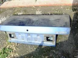 Крышка багажника мазда323 1990,