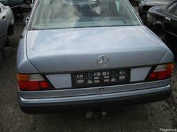Крышка багажника Mercedes 124