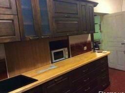 Кухня, буфеты из дерева
