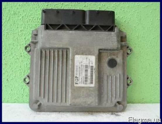 Lancia Ypsilon 2003-2014 1.3 Блок управления двигателем