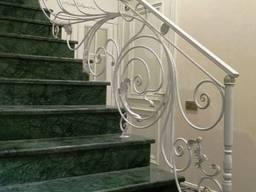 Легкие кованые перила для лестницы, балкона, террасы.