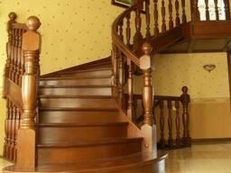 Лестница из дерева с поворотом №3 Под заказ