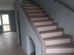 Лестница на бетон из дерева