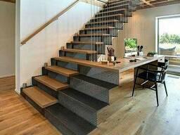 Ступени из натурального дерева для лестниц
