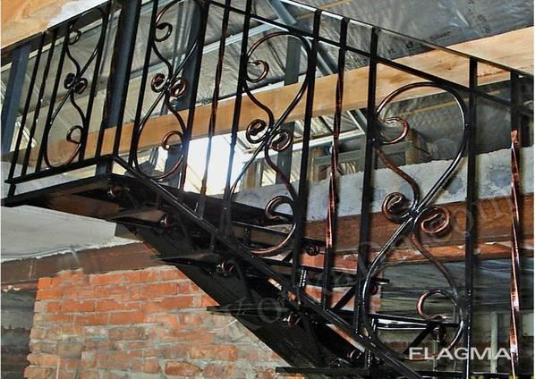 Кованые перила. Винтовые лестницы. Лестничные марши