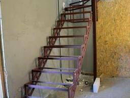 Лестницы из металла. Броневик Днепр.