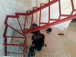 Лестницы из металла, перила, ограждения лестниц в Киеве