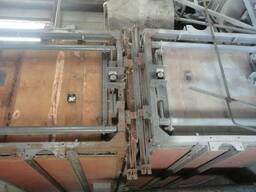 Лифтовые кабины.