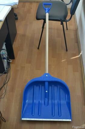 Лопата снігова пластмасова 495*495