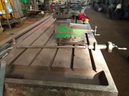 Резцедержатель с винтом на ДИП 500 люнет, поворотные столы
