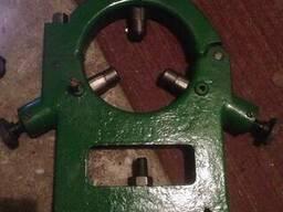 Люнет не подвижный токарного станка 16к25 Ф180мм