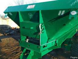 Машина для внесения в почву минеральных удобрений МВУ-5