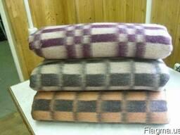Купить одеяла шерстяные и полушерстяные