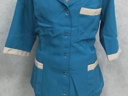 Медицинский костюм женский бирюзовый с бежевой отделкой пошив медицинских костюмов