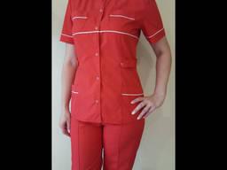 Костюм женский скорой помощи красного цвета