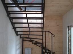 Металическая лестница, перила, навес, калитка, забор, решетка, ковка.