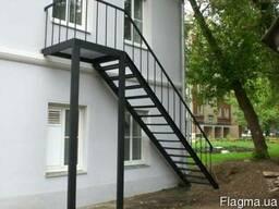 Металлические и деревянные лестницы. Изготовление и установка