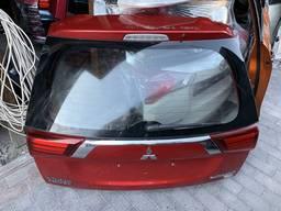 Mitsubishi Outlander 16г. Крышка багажника в сборе