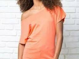 Модна жіноча футболка