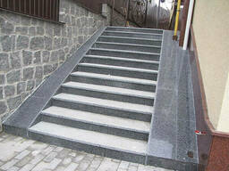 Заказать лестницу из гранита