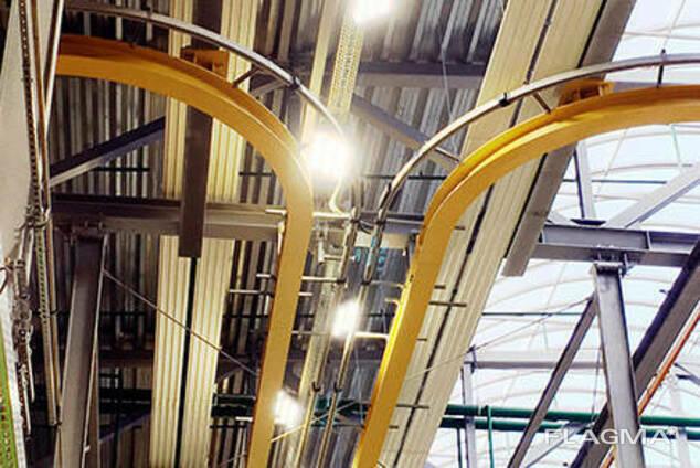 Монтаж металлоконструкций подкрановых путей и балки. ..