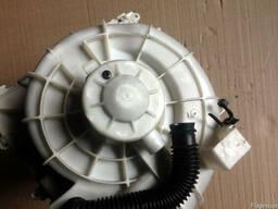 Мотор вентилятора 27225-9H60B на Nissan X-Trail T30 02-07 (Н