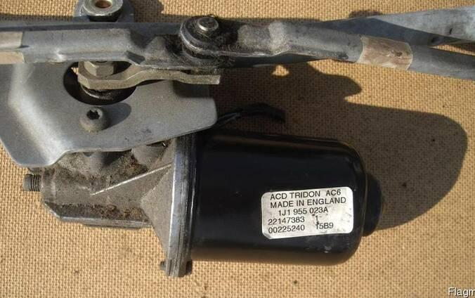 Моторчик стеклоочистителя переднего Volkswagen Golf 4 (1997г