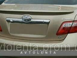 Накладка крышки багажника Toyota Camry V40 (06-11) хром. ..