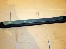 Накладка порога переднего правая 76894-8Y70A на Infiniti FX3