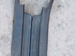 Накладка порога заднего левая 67918-05030-B0 на Toyota Avens