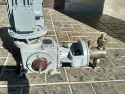 Насос дозировочный НД 1. 0 - 10/100 Д14А с двигателем АИР 63А
