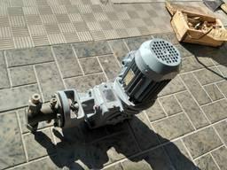 Насос дозировочный НД 1. 0 - 10/10 Д14А с двигателем АИР 63А