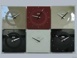 Настенные стеклянные часы черного цвета