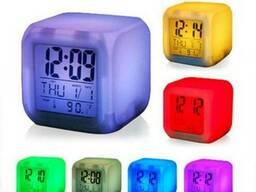 Настольные часы хамелеон, часы Куб меняющие цвет