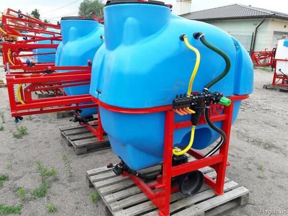 Навесной опрыскиватель 600 л для внесения пестицидов