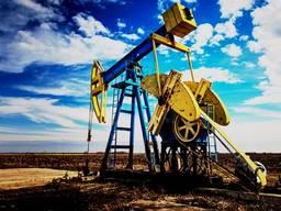 Нефтяные скважины две газовые трубы