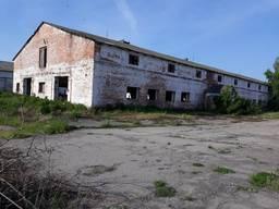 Нежитлове, виробниче приміщення, в минулому - ферма
