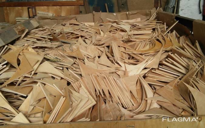 Обрезки фанеры на дрова
