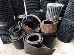 Обрезки ворсовых ковров на резиновой основе